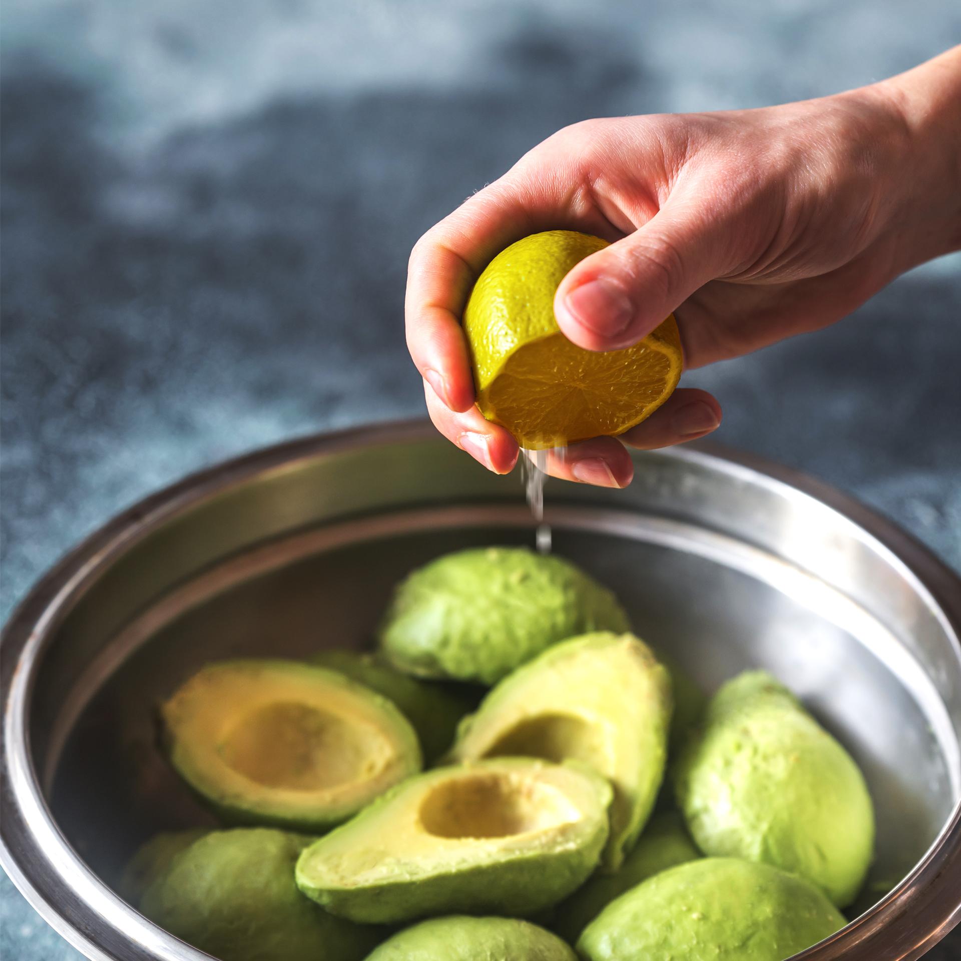 오래두고 먹는 아보카도 보관법
