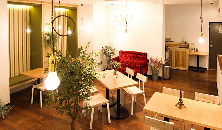 텅스텐 조명의 아늑한 레스토랑 ©베스트루이스 해밀턴