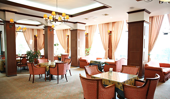 깔끔하게 유지돼있는 호텔 아마란스의 식당